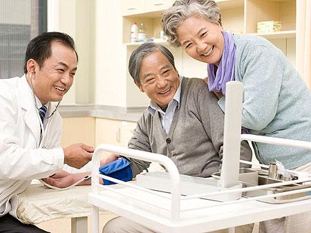 """公立医院""""瘦身令""""将使养老投资间接受益"""