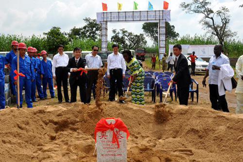 中国援建尼日利亚联邦雇员综合医院工程项目顺利实施